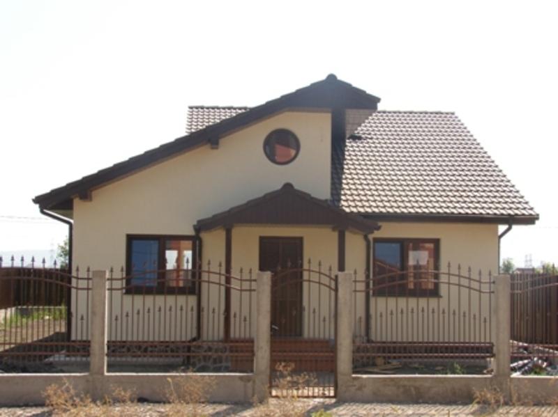 fatada casa alba